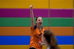 22-10-2016 NED: TT Papendal/Arnhem - Coolen Alterno, Arnhem<br /> Alterno heeft haar eerste overwinning binnen in de eredivisie. Na twee nederlagen schreef de Apeldoornse ploeg zaterdagmiddag in Valkenhuizen een 0-3 zege bij / Iris Scholten #7 of Talent Team