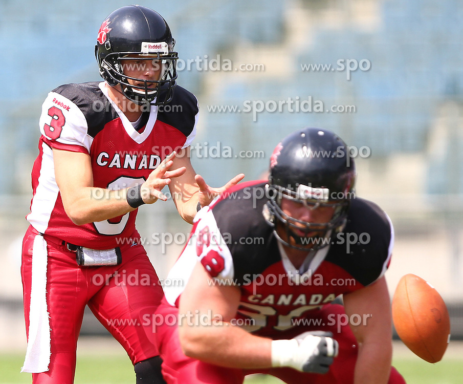 13.07.2011, UPC Arena, Graz, AUT, American Football WM 2011, Group B, Japan (JAP) vs Canada (CAN), im Bild Michael Faulds (Canada, #3, QB) waits for the snap // during the American Football World Championship 2011 Group B game, Japan vs Canada, at UPC Arena, Graz, 2011-07-13, EXPA Pictures © 2011, PhotoCredit: EXPA/ T. Haumer