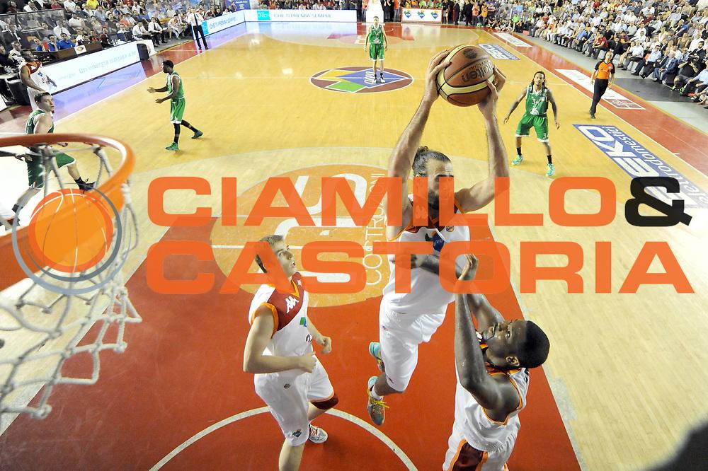 DESCRIZIONE : Roma Lega A 2012-2013 Acea Roma Montepaschi Siena playoff finale gara 5<br /> GIOCATORE : Luigi Datome<br /> CATEGORIA : rimbalzo special<br /> SQUADRA : Acea Roma Montepaschi Siena<br /> EVENTO : Campionato Lega A 2012-2013 playoff finale gara 5<br /> GARA : Acea Roma Montepaschi Siena<br /> DATA : 19/06/2013<br /> SPORT : Pallacanestro <br /> AUTORE : Agenzia Ciamillo-Castoria/C.De Massis<br /> Galleria : Lega Basket A 2012-2013  <br /> Fotonotizia : Roma Lega A 2012-2013 Acea Roma Montepaschi Siena playoff finale gara 5<br /> Predefinita :