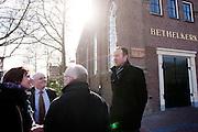 Ruth Peetoom krijgt een rondleiding door het oude centrum van Urk. Ze bezoekt de provincie Flevoland en Heerenveen tijdens haar campagne als kandidaat-voorzitter van het CDA. Peetoom wil weten wat de CDA leden willen en haar verhaal vertellen, zodat de leden weten op wie ze kunnen stemmen