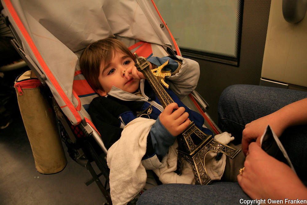 child on the paris metro