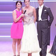 NLD/Hilversum/20120901 - 2de liveshow AVRO Strictly Come Dancing 2012, presentatrice Kim Lian van der Meij en Naomi van As en danspartner Remi Janssen