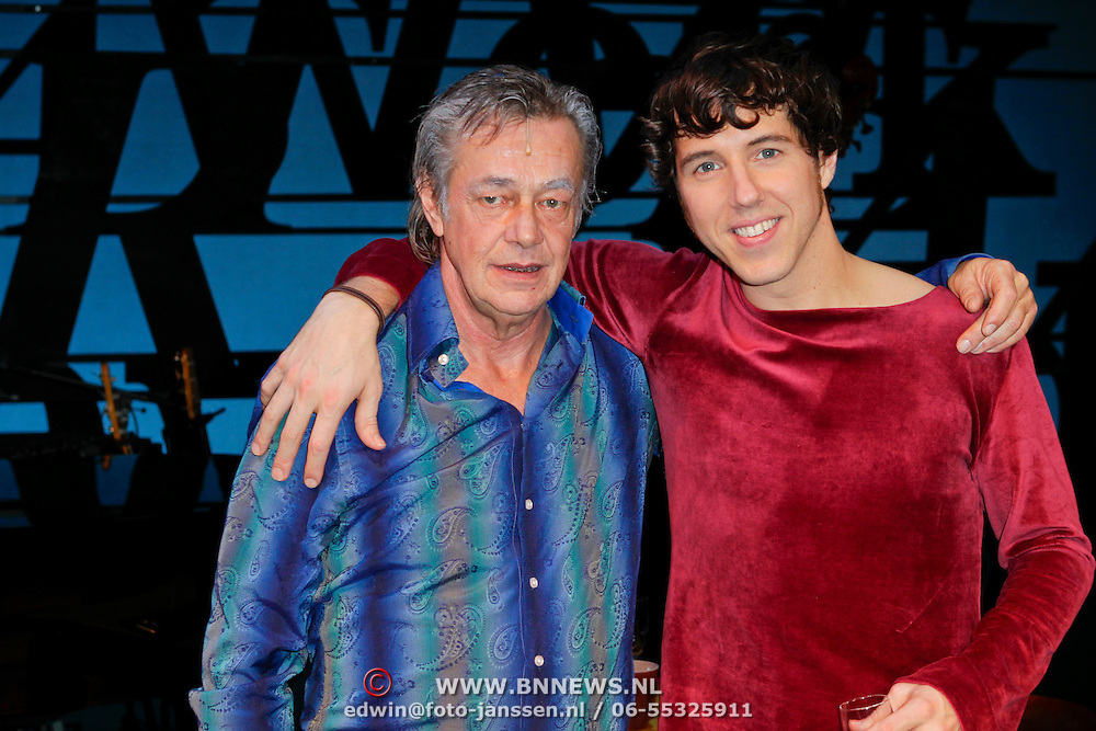 NLD/Den Haag/20111201- Premiere Ramses, Hans Hoes en William Spaaij