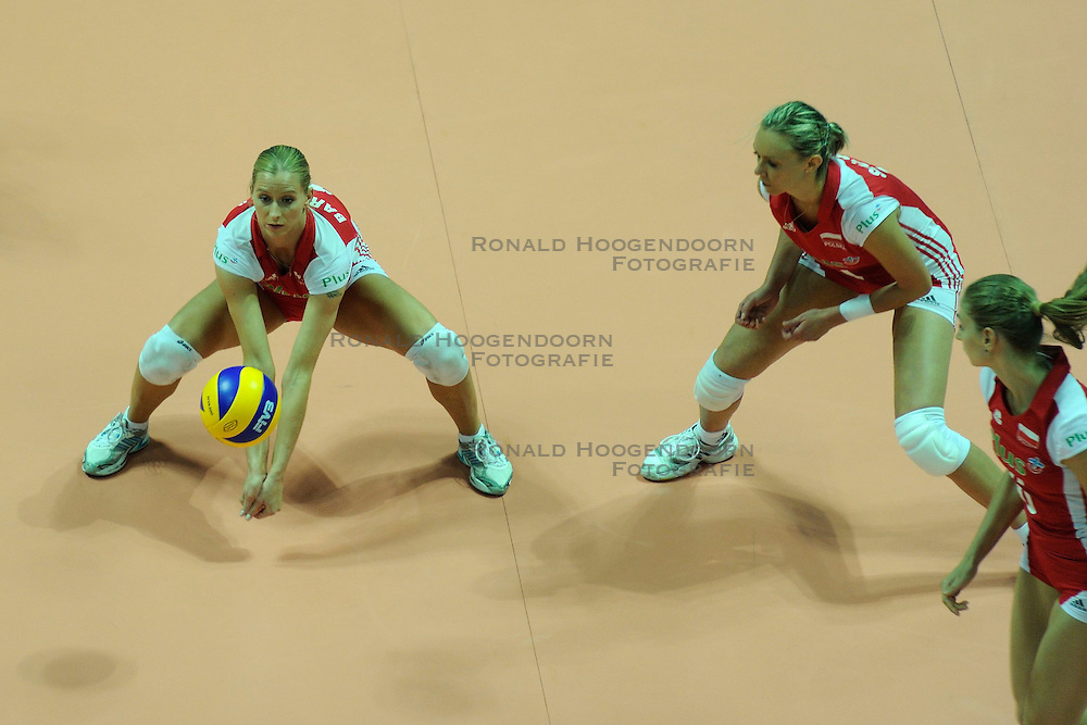 27-08-2010 VOLLEYBAL: WGP FINAL CHINA - POLAND: BEILUN NINGBO<br /> China beats Poland in straight sets / Anna Baranska<br /> &copy;2010-WWW.FOTOHOOGENDOORN.NL