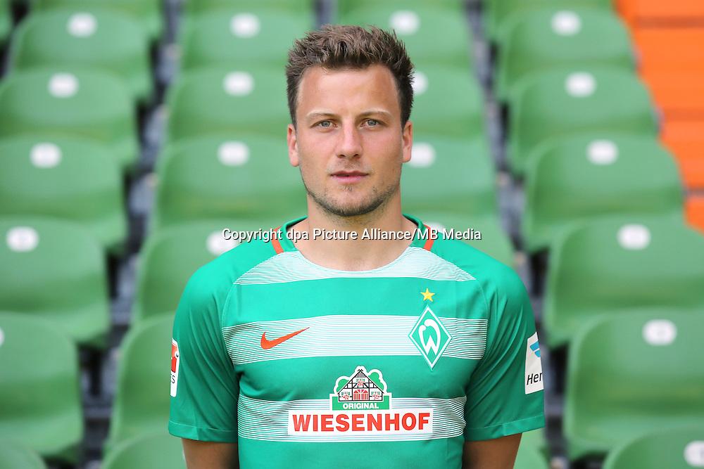 German Bundesliga - Season 2016/17 - Photocall Werder Bremen on 20 July 2016 in Bremen, Germany: Philipp Bargfrede. Photo: Focke Strangmann/dpa   usage worldwide
