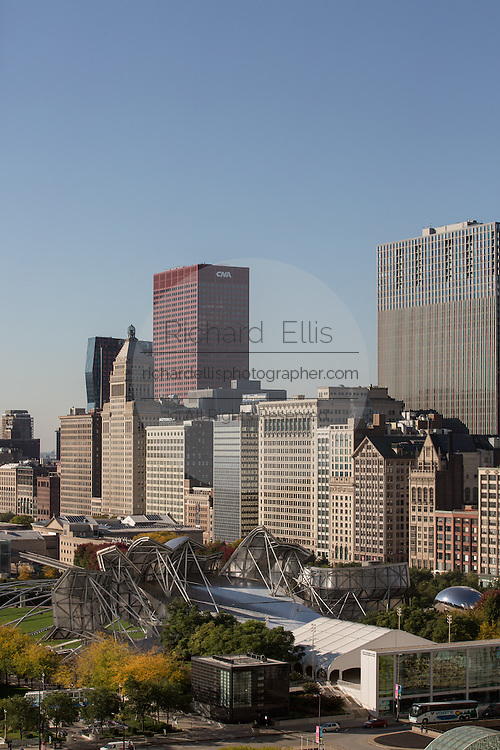 Skyline of downtown Chicago along South Michigan Ave and Millennium Park.