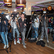 NLD/Volendam/20190522 - Boekpresentatie Keje Molenaar – Meesterlijk, pers