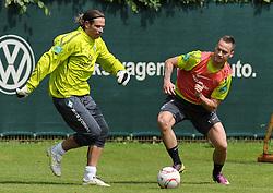 13.05.2011, Trainingsgelaende Werder Bremen, Bremen, GER, 1.FBL, Training Werder Bremen, im Bild Tim Wiese (Bremen #1, links), Marko Arnautovic (Bremen #7, rechts)   EXPA Pictures © 2011, PhotoCredit: EXPA/ nph/  Frisch       ****** out of GER / SWE / CRO  / BEL ******