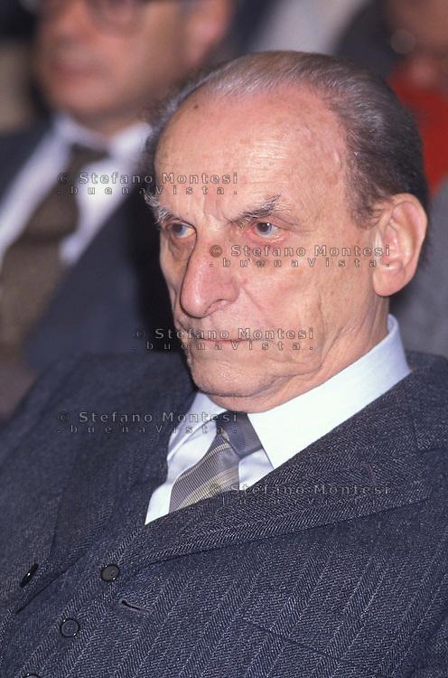 Norberto Bobbio (Torino, 18 ottobre 1909 - Torino, 9 gennaio 2004) è stato un filosofo, storico e politologo italiano..Norberto Bobbio October 18, 1909 - January 9, 2004) was an Italian philosopher of law and political sciences and a historian of political thought.