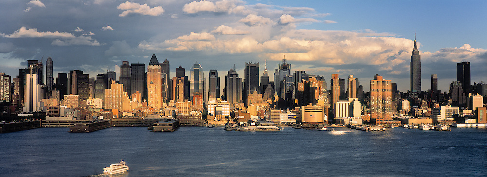 Manhattan skyline, New York City, USA
