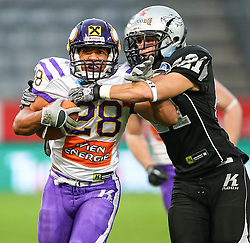 06.07.2013, Tivoli Stadion, Innsbruck, AUT, EFL Finale, Eurobowl XXVII, Swarco Raiders Tirol (AUT) vs Raiffeisen Vikings Vienna (AUT), im Bild  Jesse Lewis, (Raiffeisen Vikings Vienna, RB, #28) und Markus Krause, (SWARCO Raiders Tirol, DB, #21)  // during the Eurobowl XXVII between Swarco Raiders Tirol (AUT) and Raiffeisen Vikings Vienna (AUT) at the Tivoli Stadion, Innsbruck, Austria on 2013/07/06. EXPA Pictures © 2013, PhotoCredit: EXPA/ Thomas Haumer