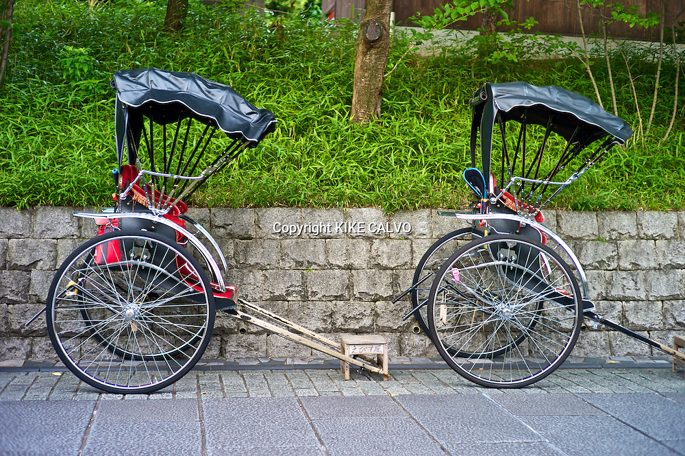 Rickshaw near Kiyomizu-dera Temple.