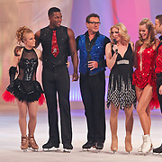 NLD/Hilversum/20110211 - 3de Liveshow SBS Sterren Dansen op het IJs 2011, Remy Bonjasky en schaatspartner Kellyn Koeppelinger en Inge de Bruijn en Matteo Zanni
