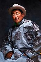 Mongolie, province Selenge, homme nomade sous la yourte // Mongolia, Selenge province, nomad in the yurt