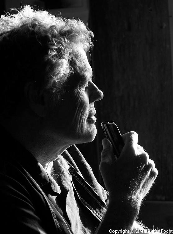 Harmonica Player and  Singer Songwriter Jon Gindick of Ventura, California. (Photo by Karen Pulfer Focht)