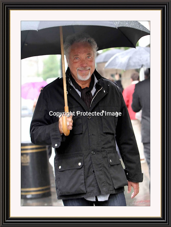 TOM JONES <br /> June 1 2010 Portland Place London<br /> A3 Museum-quality Archival Signed Framed Print  (Limited Edition of 25)  <br /> <br /> (Free Tracked Shipping Europe)