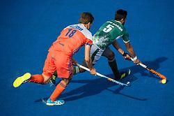 The Netherlands v Pakistan - Hockey World League Semi Final, Lee Valley Hockey and Tennis Centre, London, United Kingdom on 15 June 2017. Photo: Simon Parker
