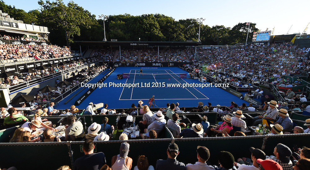General view of centre court on Day 2 at the ASB Classic WTA International. Auckland, New Zealand. Tuesday 6 January 2015. Copyright photo: Andrew Cornaga/www.photosport.co.nz