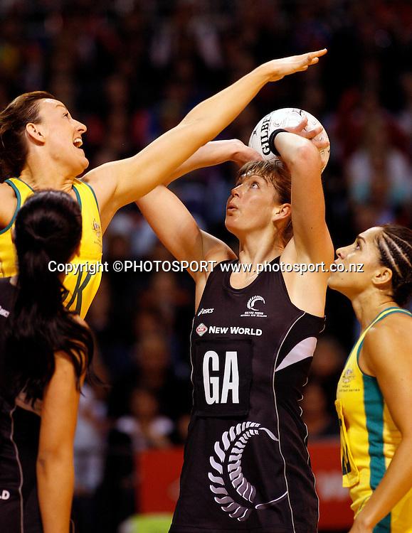 NZ GS Irene van Dyk.<br />New World International Netball Series, Silver Ferns v Australia, Westpac Arena, Christchurch, New Zealand, Wednesday 17 September 2008. Photo: Renee McKay/PHOTOSPORT