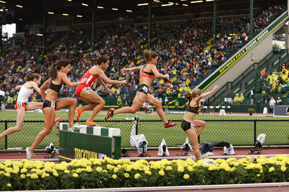 women's steeplechase, water pit, Sara Hall