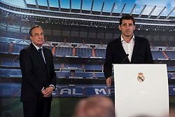 13.07.2015, Estadio Santiago Bernabeu, Madrid, ESP, Primera Division, Real Madrid, Pressekonferenz, Iker Casillas Tribute, im Bild President of Real Madrid, Florentino Pérez and Porto FC new goalkeeper, Iker Casillas during Iker Casillas tribute // during Iker Casillas Tribute press conference of spanisch Primera Division Club Real Madrid CF at the Estadio Santiago Bernabeu in Madrid, Spain on 2015/07/13. EXPA Pictures © 2015, PhotoCredit: EXPA/ Alterphotos/ BorjaB.hojas<br /> <br /> *****ATTENTION - OUT of ESP, SUI*****