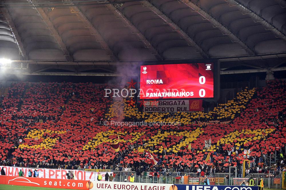 25.02.2010, Stadio Olimpico, Rom, ITA, UEFA EL, AS Rom vs Panathinaikos Athen, im Bild  Roma Fans machen eine Choregrafie, EXPA Pictures © 2010, PhotoCredit: EXPA/ InsideFoto/ Andrea Staccioli