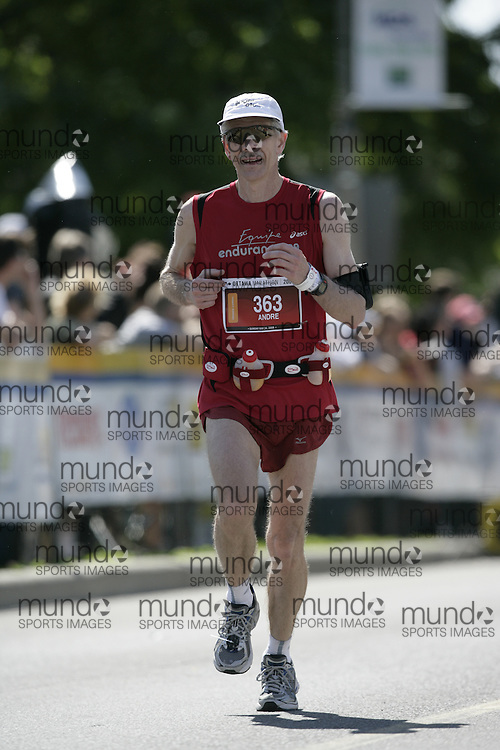 Ottawa, Ontario ---24/05/09---  ANDRE LAPERRIERE of Canada runs the 2009 Ottawa Marathon in Ottawa, Ontario, May 24, 2009. LAPERRIERE   finished in a time of 3:09:03. .GEOFF ROBINS Mundo Sport Images