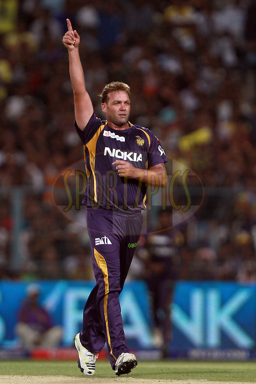Jacques Kallis celebrates the wicket of Parthiv Patel during match 17 of the Pepsi Indian Premier League between The Kolkata Knight Riders and the Sunrisers Hyderabad held at the Eden Gardens Stadium in Kolkata on the 14th April 2013. Photo by Jacques Rossouw-IPL-SPORTZPICS ..Use of this image is subject to the terms and conditions as outlined by the BCCI. These terms can be found by following this link:..http://www.sportzpics.co.za/image/I0000SoRagM2cIEc