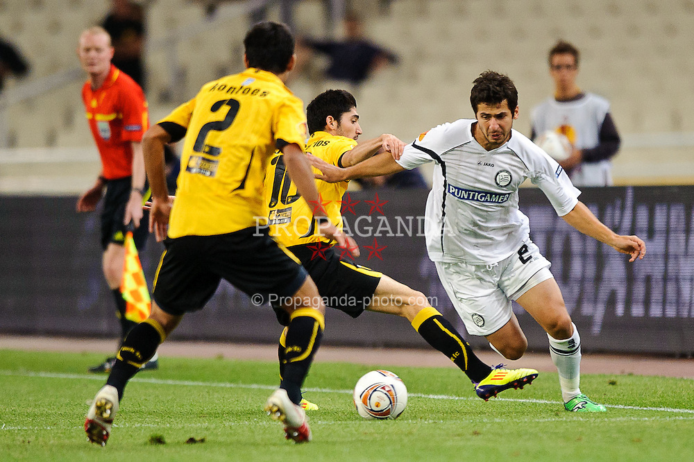 29.09.2011, Spiros Louis Stadium, Athen, GRE, UEFA EL, Gruppe L, AEK Athen (GRE) vs Sturm Graz (AUT), im Bild Giorgi Popkhadze, (Sturm, #2), Jose Carlos, (AEK Athen, #10), Giannis Kontoes, (AEK Athen, #2) // during UEFA Europa League group L football game between AEK Athen (GRC) and Sturm Graz (AUT) at Spiros Louis Stadium in Athen, Greece on 29/09/2011. EXPA Pictures © 2011, PhotoCredit: EXPA/ S. Zangrando