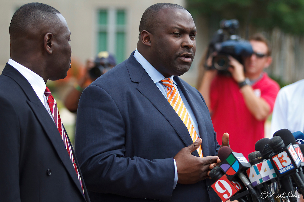 April 20, 2012 - Sanford, Florida, U.S. - Martin family attorney DARYL PARKS talks to the press after George Zimmerman's bond was set to $150,000 for the murder of Trayvon Martin at the Sanford Criminal Justice Center in Sanford, Florida.