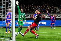 ROTTERDAM - SBV Excelsior - Feyenoord , Voetbal , Seizoen 2015/2016 , Eredivisie , Stadion Woudestein , 28-11-2015 , Excelsior speler Daryl van Mieghem schiet de 1-2 binnen terwijl heel Feyenoord protesteert voor buitenspel