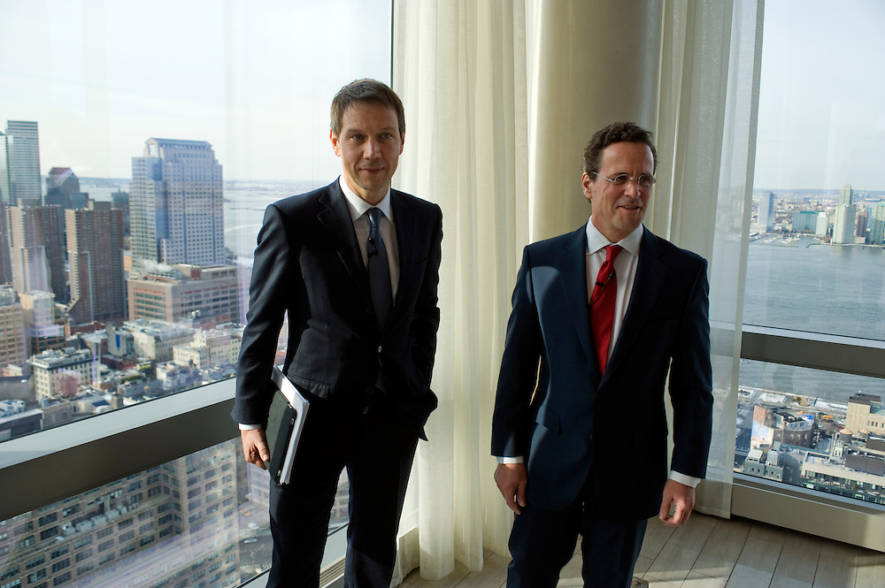 vlnr: René Obermann, CEO Deutsche Telekom, Philipp Humm, CEO T-Mobile USA..Presse Praesentation zur T-Mobile USA Investor Day im Trump Soho Hotel, Manhattan New York. Wo: Trump Soho Hotel, 246 Spring Street New York, NY 10013 .mit: Philipp Humm, CEO T-Mobile USA, und René Obermann, CEO Deutsche Telekom.