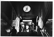 Rush hour, six heures, gare, Lausanne, Pendler, pendeln, Treppen, Train station, Hauptbahnhof, daily life, poeple in public places. Mobilté douce, slow mobility, sanfter Verkehr. © Romano P. Riedo