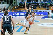DESCRIZIONE : Trento Lega A 2015-16 Dolomiti Energia Trentino Pasta Reggia Caserta<br /> GIOCATORE : Giuseppe Poeta Marco Giuri<br /> CATEGORIA : Palleggio Fallo<br /> SQUADRA : Dolomiti Energia Trentino Pasta Reggia Caserta<br /> EVENTO : Campionato Lega A 2015-2016<br /> GARA : Dolomiti Energia Trentino Pasta Reggia Caserta<br /> DATA : 03/01/2016<br /> SPORT : Pallacanestro <br /> AUTORE : Agenzia Ciamillo-Castoria/G. Contessa<br /> Galleria : Lega Basket A 2015-2016 <br /> Fotonotizia : Trento Lega A 2015-16 Dolomiti Energia Trentino Pasta Reggia Caserta