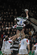 Leicester, GREAT BRITAIN,  Tigers Any GOODE goes through the gap Jonny Wilkinson Diving and right Brent WILSON, during the Guinness Premiership game, Leicester Tigers vs Newcastle Falcons at Welford Road. 26/01/2008  [Mandatory Credit Peter Spurrier/Intersport Images]