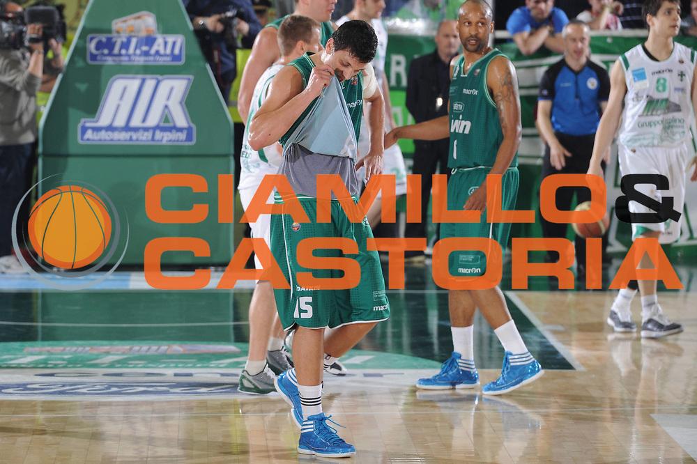 DESCRIZIONE : Treviso Lega A 2010-11 Quarti di finale Play off Gara 1 Air Avellino Benetton Treviso <br /> GIOCATORE : Alessandro Gentile <br /> SQUADRA : Air Avellino Benetton Treviso<br /> EVENTO : Campionato Lega A 2010-2011<br /> GARA : Air Avellino Benetton Treviso<br /> DATA : 19/05/2011<br /> CATEGORIA : Delusione<br /> SPORT : Pallacanestro<br /> AUTORE : Agenzia Ciamillo-Castoria/GiulioCiamillo<br /> Galleria : Lega Basket A 2010-2011<br /> Fotonotizia : Treviso Lega A 2010-11 Quarti di finale Play off Gara 1 Air AvellinovBenetton Treviso<br /> Predefinita :