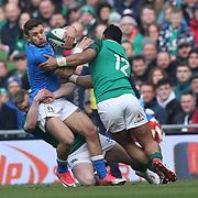Dublino 10/02/2018 Aviva Stadium<br /> Natwest 6 nations 2018<br /> Irlanda v Italia<br /> Matteo Minozzi placcato da Bundee Aki