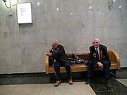 """Der 85 jährige ukrainische 2. Weltkriegs Veteran Ivan Dmitrievich Dunayev (links) mit einem befreundeten Vetranen im Museum des Großen Vaterländischen Krieges in Moskau. Das Museum befindet sich auf dem Berg """"Poklonnaja Gora"""". Die beiden Veteranen sind zur Siegesparade (9.Mai 2008) nach Moskau angereist.  <br /> <br /> The 85 years old Ukrainian WW II veteran Ivan Dmitrievich Dunayev (left) with a friend at the Museum of the Great Patriotic War in Moscow at Poklonnaya Gora (Bowing Hill). Both WW II veterans travelled for the Victory Parade (09.05.2008) to Moscow."""