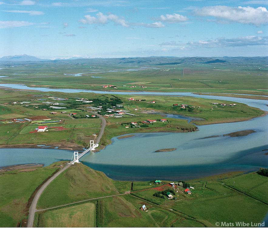 Laugarás og Iðubrú séð til norðurs, Biskupstungnahreppur /.Laugaras and Idubru bridge over river Hvita viewing north, Biskupstungnahreppur