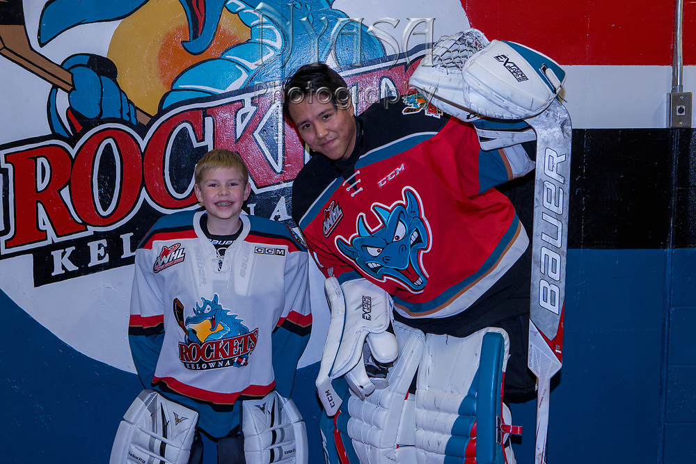 KELOWNA, CANADA - NOVEMBER 25:  Pepsi Player of the game with James Porter #1 of the Kelowna Rockets at the Kelowna Rockets game on November 25, 2017 at Prospera Place in Kelowna, British Columbia, Canada.  (Photo By Cindy Rogers/Nyasa Photography,  *** Local Caption ***