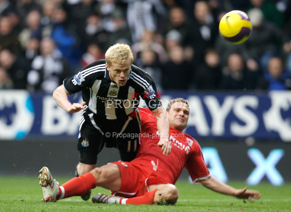 NEWCASTLE, ENGLAND - Sunday, February 3, 2008: Newcastle United's Damien Duff rues a disallowed goal against Middlesbrough during the Premiership match at St James' Park. (Photo by David Rawcliffe/Propaganda)