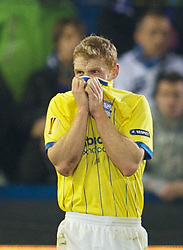 20.10.2011, Jan-Breydel Stadion, Bruegge, BEL, UEFA EL, Gruppe H, FC Bruegge (BEL) vs Birmingham City (ENG), im Bild  Birmingham City's Chris Burke is visably shaken after seeing team-mate Pablo Ibanez knocked unconscious during the UEFA Europa League Group H match against Club Brugge at the Jan Breydelstadion.  // during UEFA Europa League group H match between FC Bruegge (BEL) vs Birmingham City (ENG), at Jan-Breydel Stadium, Brugge, Belgium on 20/10/2011. EXPA Pictures © 2011, PhotoCredit: EXPA/ Propaganda Photo/ David Rawcliff +++++ ATTENTION - OUT OF ENGLAND/GBR+++++