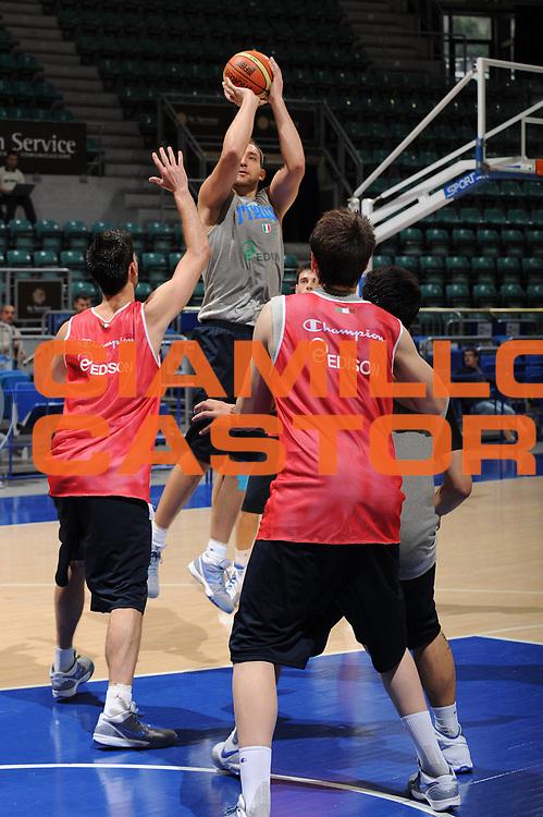 DESCRIZIONE : Bologna Raduno Collegiale Nazionale Maschile Allenamento<br /> GIOCATORE : Tommaso Rinaldi<br /> SQUADRA : Nazionale Italia Uomini<br /> EVENTO : Raduno Collegiale Nazionale Maschile <br /> GARA : <br /> DATA : 01/06/2009 <br /> CATEGORIA : tiro<br /> SPORT : Pallacanestro <br /> AUTORE : Agenzia Ciamillo-Castoria/M.Marchi<br /> Galleria : Fip Nazionali 2009<br /> Fotonotizia : Bologna Raduno Collegiale Nazionale Maschile Allenamento<br /> Predefinita :