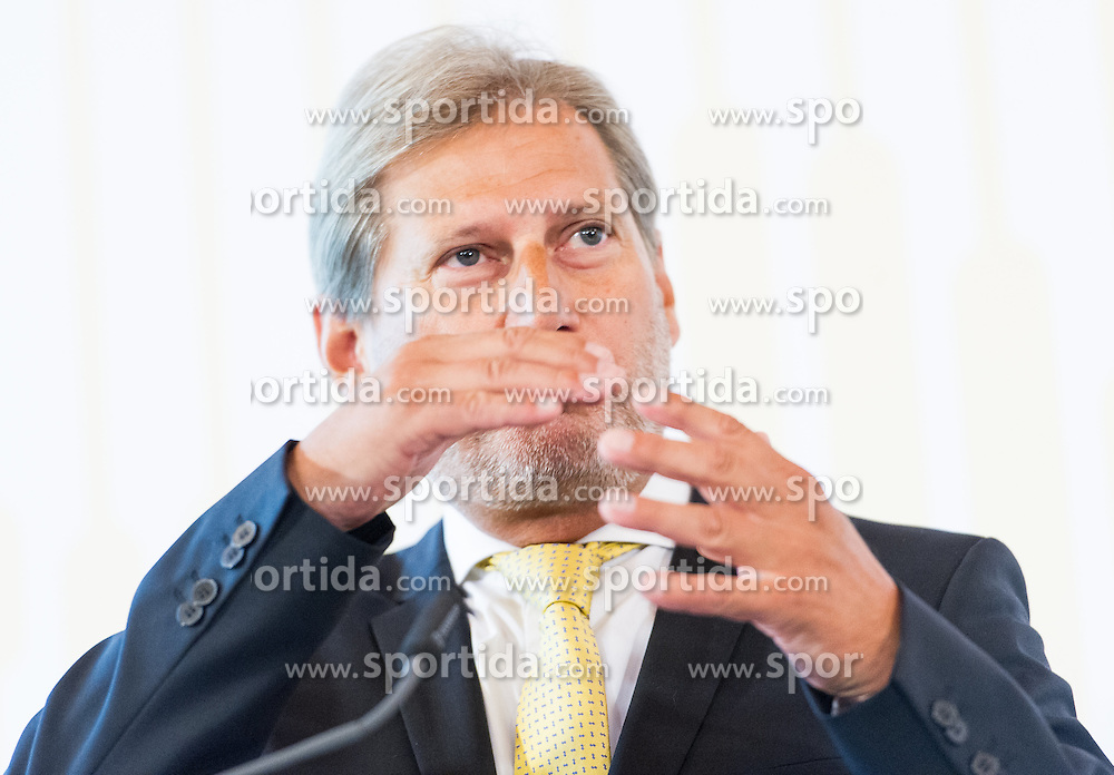 27.08.2015, Hofburg, Wien, AUT, Westbalkan Konferenz, Pressekonferenz der Aussenminister, im Bild EU-Kommissar Johannes Hahn // EU-Commissioner Johannes Hahn during press conference of the foreign ministers during Western Balkans Summit at Hofburg in Vienna, Austria on 2015/08/27, EXPA Pictures © 2015, PhotoCredit: EXPA/ Michael Gruber
