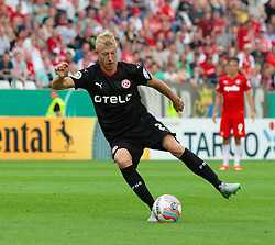 09.08.2015, Stadion Essen, Essen, GER, DFB Pokal, Rot Weiss Essen vs Fortuna Duesseldorf, 1. Runde, im Bild Julian Koch (Duesseldorf) mit Ball // during German DFB Pokal first round match between Rot Weiss Essen and Fortuna Duesseldorf at the Stadion Essen in Essen, Germany on 2015/08/09. EXPA Pictures © 2015, PhotoCredit: EXPA/ Eibner-Pressefoto/ Hommes<br /> <br /> *****ATTENTION - OUT of GER*****