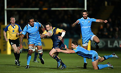 Jono Lance of Worcester Warriors goes Fergus Mulchrone of London Irish - Mandatory by-line: Robbie Stephenson/JMP - 22/12/2017 - RUGBY - Sixways Stadium - Worcester, England - Worcester Warriors v London Irish - Aviva Premiership