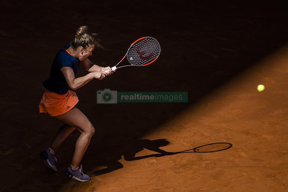 May 9, 2017 - Madrid, Madrid, Spain - SIMONA HALEP (ROU) returns the ball to Roberta Vinci (ITA) in round 2 of the 'Mutua Madrid Open' 2017. Halep won 6:3, 2:6, 7:6 (Credit Image: © Matthias Oesterle via ZUMA Wire)