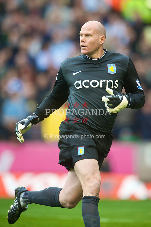 WOLVERHAMPTON, ENGLAND - Saturday, October 24, 2009: Aston Villa's goalkeeper Brad Friedel in action against Wolverhampton Wanderers during the Premiership match at Molineux. (Photo by David Rawcliffe/Propaganda)