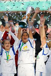 17.05.2014, Rhein-Energie Stadion, Koeln, GER, DFB Pokal, Frauen, 1. FFC Frankfurt vs SGS Essen, Finale, im Bild vl: Babett Peter (1. FFC Frankfurt #4), Dzsenifer Marozsan (1. FFC Frankfurt #10) und Saskia Barusiak (1. FFC Frankfurt #25) mit dem Pokal<br /> <br /> 1. FFC Frankfurt vs SGS Essen --- Frauen Fussball --- DFB Pokal Finale --- 17.05.2014, Foto: Eibner // during the woman DFB Pokal final match between 1. FFC Frankfurt and SGS Essen at the Rhein-Energie Stadion in Koeln, Germany on 2014/05/17. EXPA Pictures © 2014, PhotoCredit: EXPA/ Eibner-Pressefoto/ Schueler<br /> <br /> *****ATTENTION - OUT of GER*****