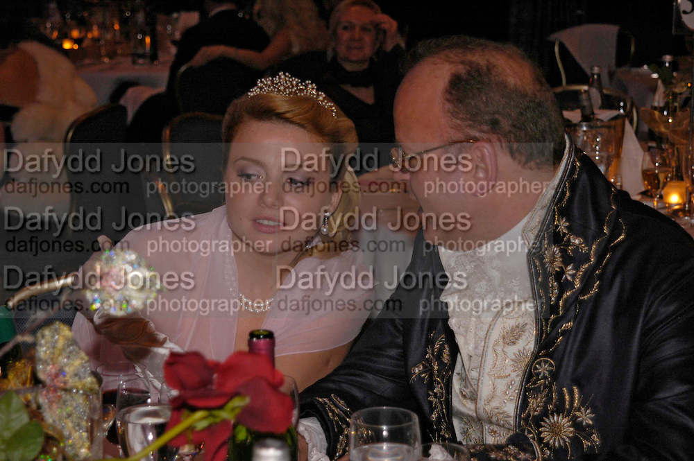 Liya Jacobsen and Count Andrei Tolstoy. War and Peace charity Ball, Dorchester Hotel. Park Lane. London. 17 February 2005. ONE TIME USE ONLY - DO NOT ARCHIVE  © Copyright Photograph by Dafydd Jones 66 Stockwell Park Rd. London SW9 0DA Tel 020 7733 0108 www.dafjones.com